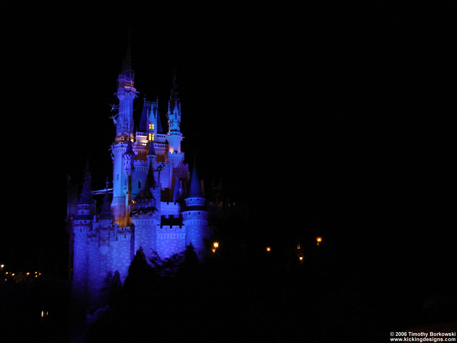 Disney World Magic Kingdom Desktop Wallpaper 1600 X 1200 Kicking Designs Kicking Designs
