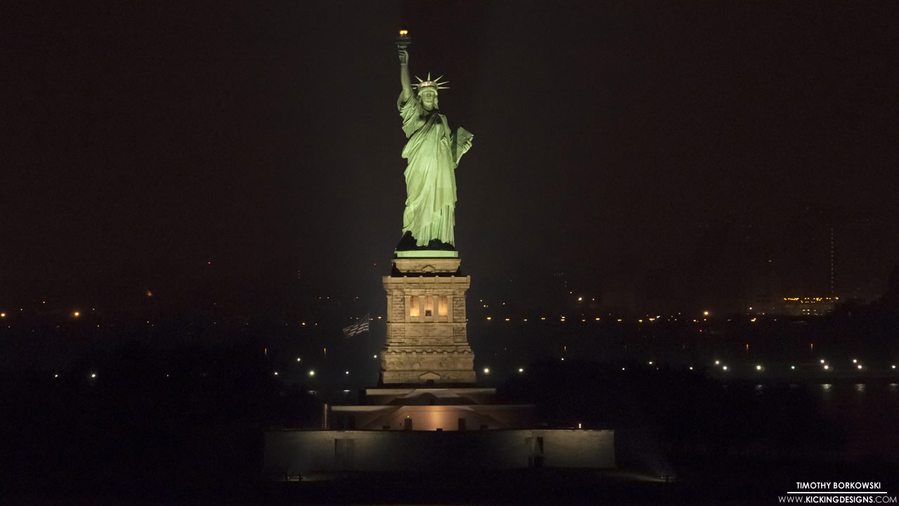 statue-of-liberty-at-night-12-24-2013