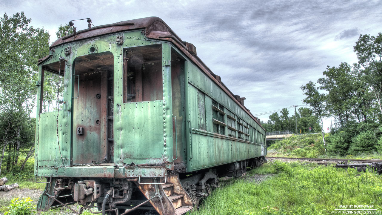 abandoned-train-car-8-3-2014
