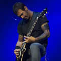 sully-erna-guitar-5-18-2015